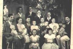 Família Arboite reunida no ano de 1951